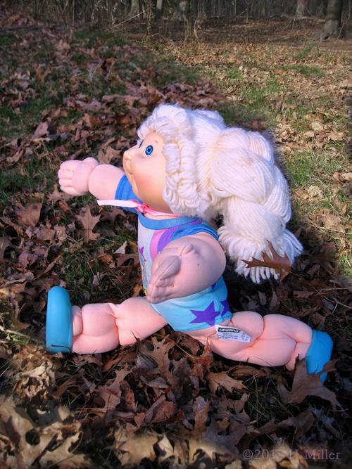 Cabbage Patch Kid Blonde Girl Doing Gymnast Splits.